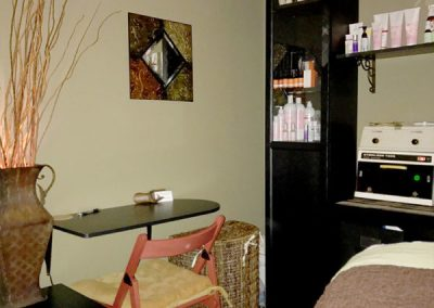 Lash Tinting is one of many options at Skinplicity